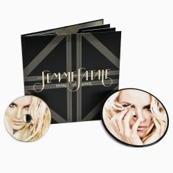"""""""Femme Fatale"""" Fan Premium..."""